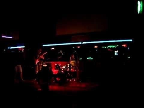 And The Elephants - Metromono (1 Febrero 2012)