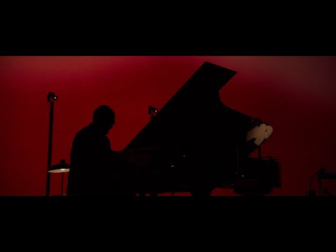 Ludovico Einaudi - Einaudi: Live From The Steve Jobs Theatre / 2019