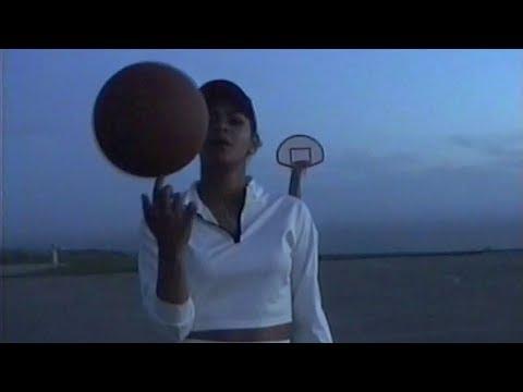 Toni Romiti - Heard It All Before (Camcorder Video)