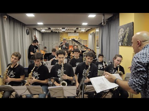 2019 dexterity SANT ANDREU JAZZ BAND ( dir Joan Chamorro ) & Joe Magnarelli