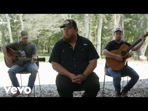 Luke Combs - Six Feet Apart (Live Acoustic)