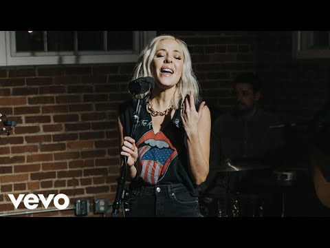 MacKenzie Porter - Hand In My Pocket (The Loft Sessions)