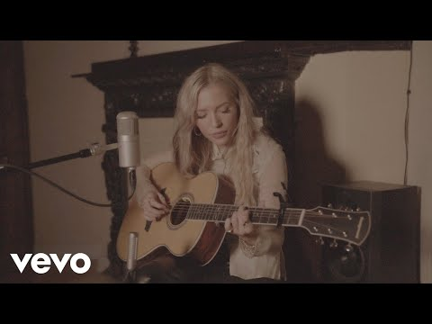 Lennon Stella - Older Than I Am (Acoustic Video)