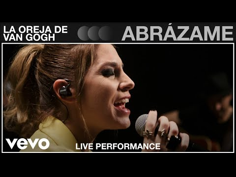 La Oreja de Van Gogh - Abrázame - Live Performance | Vevo