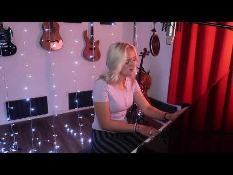 Evie Clair (Kacey Musgraves) - Rainbow (Umbrella)