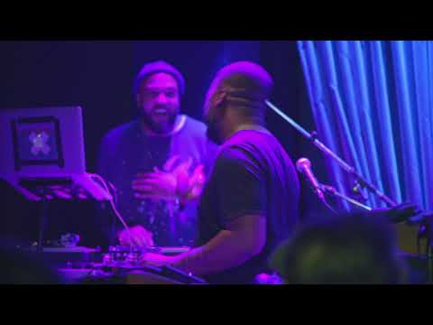 Robert Glasper Experiment & Common - The Light (Live at Blue Note New York)