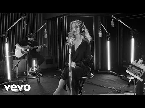Cyn - Nobody's Keeping Score (even moodier / Live From Capitol Studios / 2020)