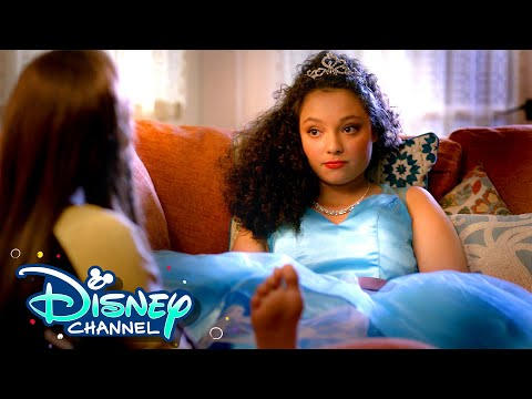 Planning a Quinceañera 🎉 | Hispanic Heritage Month | Gabby Duran & the Unsittables | Disney Channel