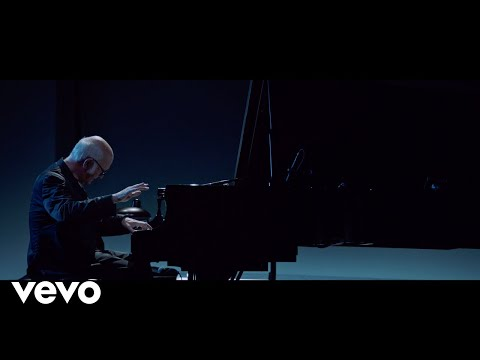 Ludovico Einaudi - Einaudi: Nuvole Bianche (Live From The Steve Jobs Theatre / 2019)