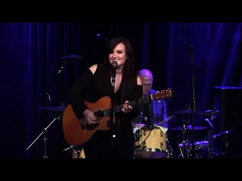 Brandy Clark - Who You Thought I Was - Live From 3rd & Lindsley