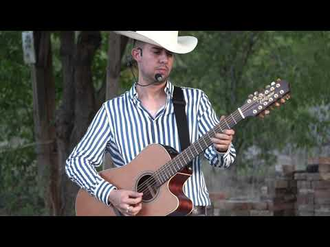 Grupo Los De Chiwas - El Rengo Del Gallo Giro (Video Musical)