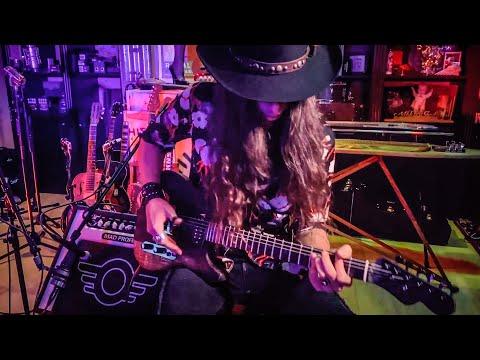"""SLOW CREEPING VINE"" 🎃 Dark Blues Halloween Vibes"