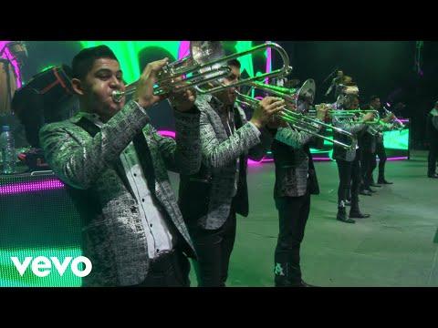 La Arrolladora Banda El Limón De René Camacho - De Mil Maneras (En Directo)