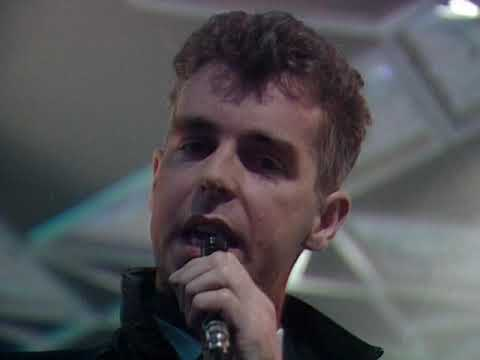 Pet Shop Boys - Suburbia on Top Of The Pops 02/10/1986