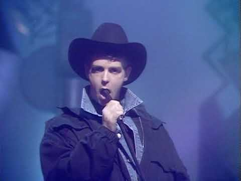 Pet Shop Boys - Suburbia on Top Of The Pops 16/10/1986