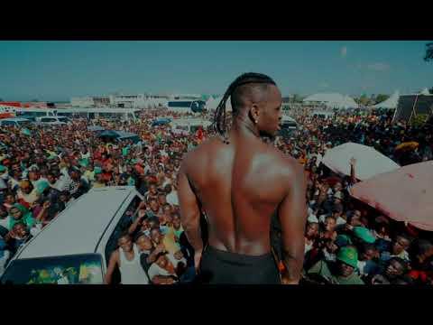 Diamond Platnumz - Amazing fan Love At The Tanganyika Packers ( Kawe)