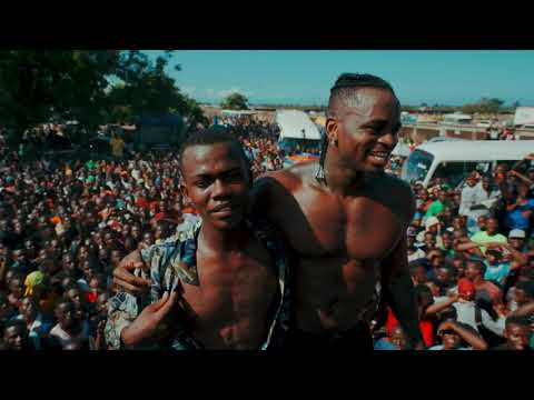 Diamond Platnumz- Amazing fan Love At The Tanganyika Packers 2 ( Kawe)
