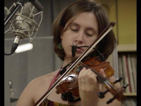 """2019 Rabo de nube  ÈLIA BASTIDA, JOAN CHAMORRO, JOSEP TRAVER """"the magic sound of the violin"""""""