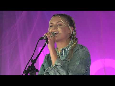 Kelsea Ballerini - hole in the bottle (ballerini album version) [Live from #SOSFEST]