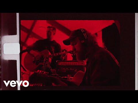 Brothers Osborne - Dead Mans Curve (Studio Video)