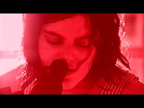 SOKO :: Hurt Me With Your Ego, live from Hotel Aguas Claras in Costa Rica