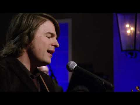 "Jimmy Wayne - ""Sara Smile"" (Live on CabaRay Nashville)"