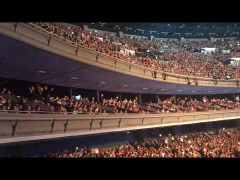 Chayanne Canta Con Sus Fans Atado A Tu Amor