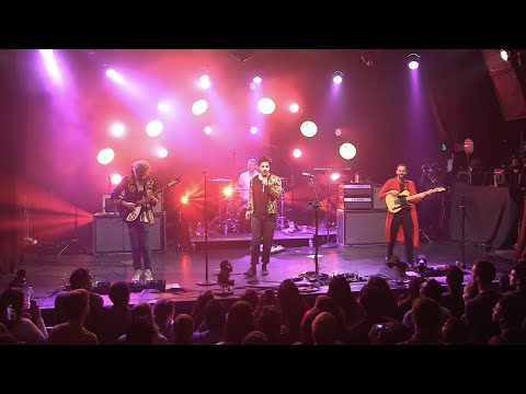 "Young the Giant - ""My Body"" (Live from the Artists Den)"