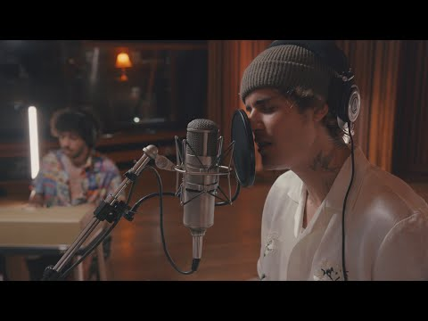 Justin Bieber & benny blanco - Lonely (Official Acoustic Video)