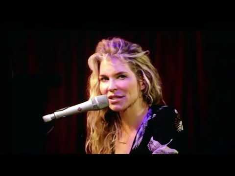 Charlotte Martin Livestream #1 @ The Hotel Cafe (Monday, October 26, 2020)
