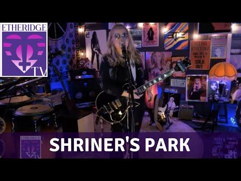 Melissa Etheridge Sings 'Shriner's Park'