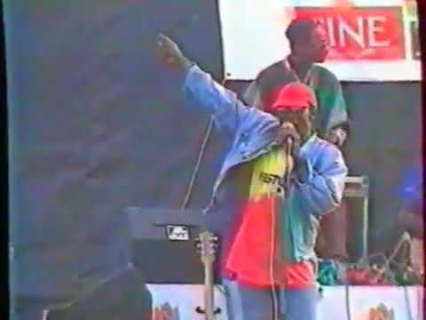 """Alpha Blondy - """"Babylone-Kêlê"""" live Abidjan 1991"""