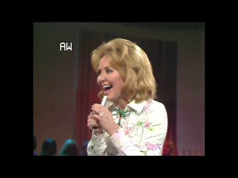 "Lulu - ""Oh Me Oh My (I'm A Fool For You Baby)"" (Live on Ray Stevens Show, 1970)"