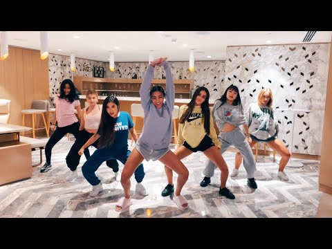 Now United Dancing to 'Paraná'
