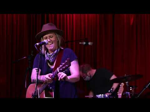 """Garrison Starr """"Dam That's Breaking"""" Live From Hotel Cafe"""