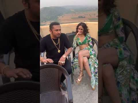 Yo Yo Honey Singh and Nushrratt Bharuccha on the Sets of Saiyaan Ji !!