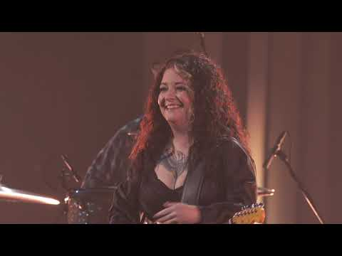 Ashley McBryde - One Night Standards (CMA Awards 2020)