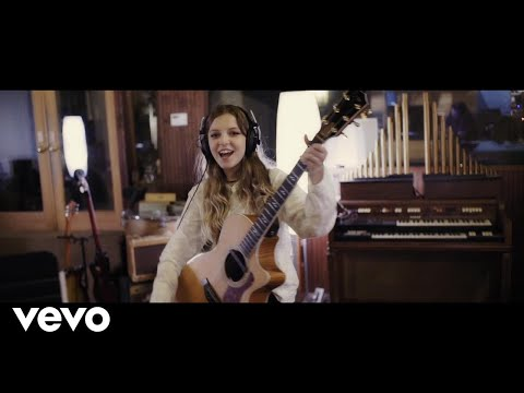 Jade Bird - I've Been Everywhere (Johnny Cash Cover)