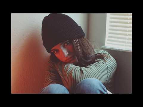 (Instrumental) Sara Kays - Smaller Than This