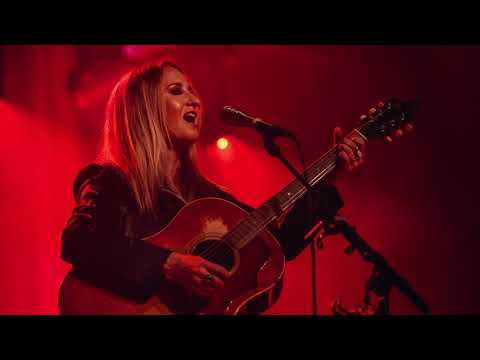 Margo Price - Proud Mary (Live at The Ryman)
