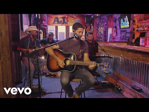Josh Turner - I Can Tell By The Way You Dance (Livestream Acoustic Performance)