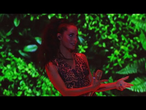 Lali ft. Pabllo Vittar - Caliente (Brava Tour en Vivo en el Luna Park)