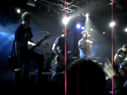 Parkway Drive - Romance is Dead (live)