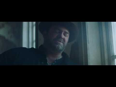 Lee Brice - One Of Them Girls (Acoustic Video)
