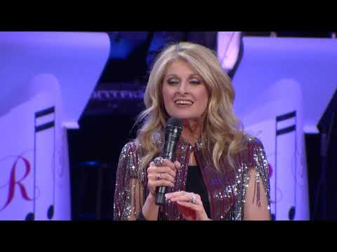 "Linda Davis - ""Young At Heart (with Ray Stevens on Piano)"" (Live at CabaRay)"