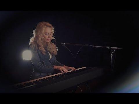 JES & Oliver Smith - Don't Let It End (Acoustic)