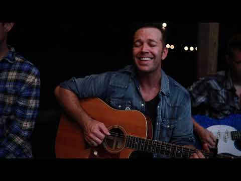 Lucas Hoge - Compares To You (Live)