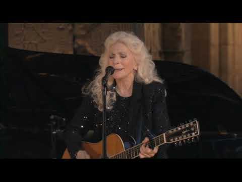 Judy Collins - Pastures of Plenty (Live at the Met)