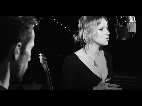 IZZA - Made Up My Mind [Live Acoustic at Love Electric]