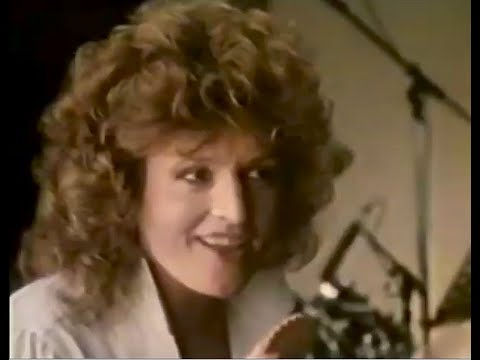 BARBARA DICKSON - 1983 TV ADVERT (McVities Biscuits)